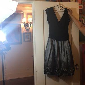 Nordstroms S.L. Fashions Formal Dress. Size 16.
